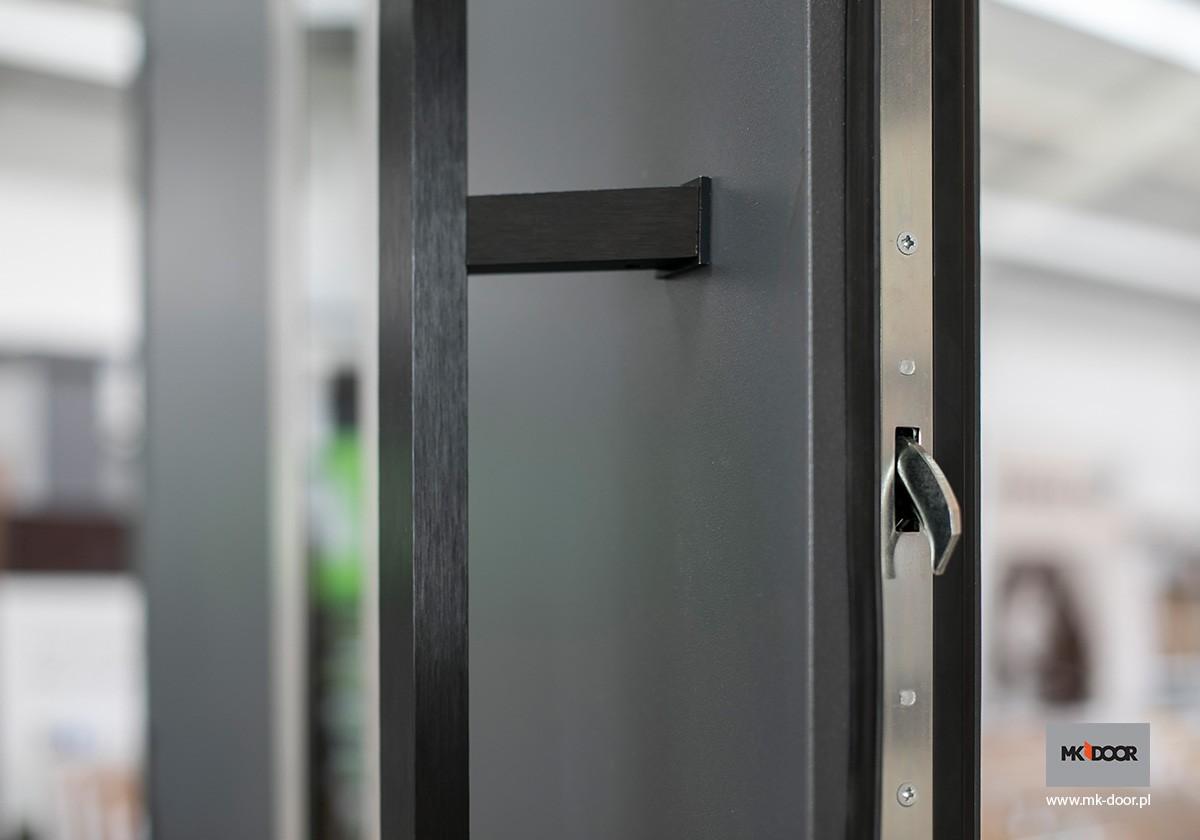 Pochwyt NERO do drzwi zewnętrznych MK-DOOR